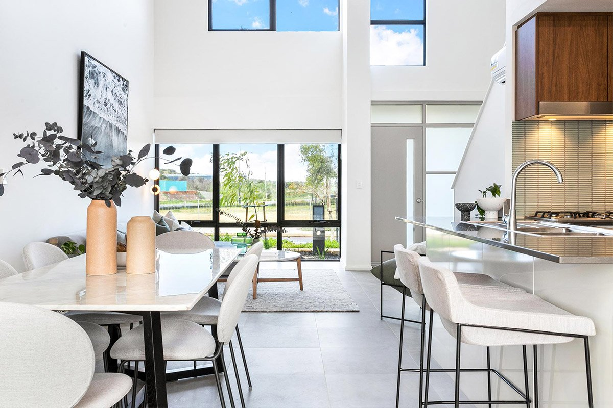 North Coogee dining and Living area